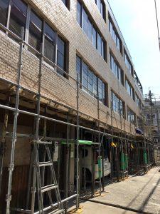 コンクリートの庇施工